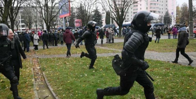Photo of В Минске сообщили о первых задержаниях на акции протеста оппозиции