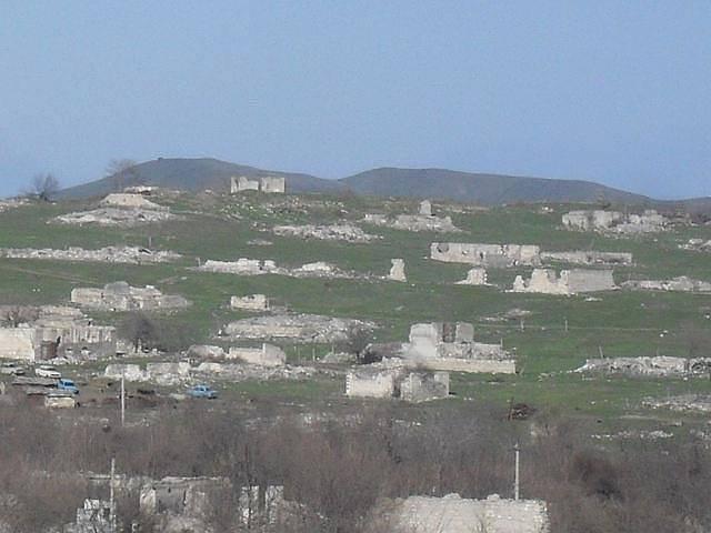 Photo of Машина подорвалась на мине в Физулинском районе Азербайджана. Погибли пять человек