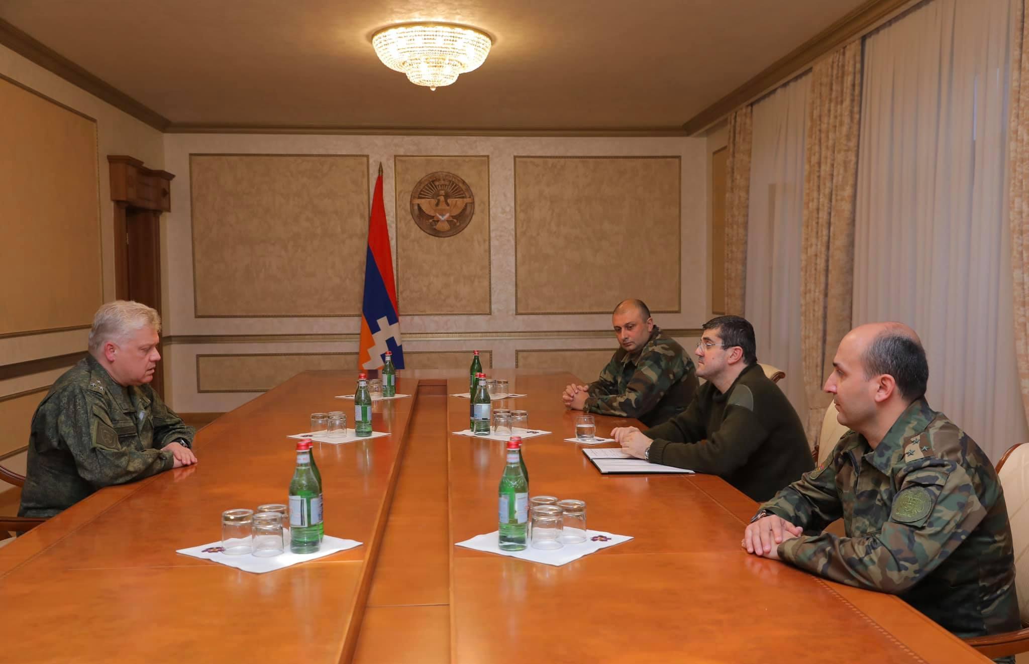 Photo of Արայիկ Հարությունյանն ընդունել է ՌԴ խաղաղապահ ուժերի կազմում ընդգրկված՝ ՌԴ ԶՈւ հարավային ռազմական օկրուգի զինվորական դատախազի առաջին տեղակալ, գնդապետ Դմիտրի Շուվարկինին