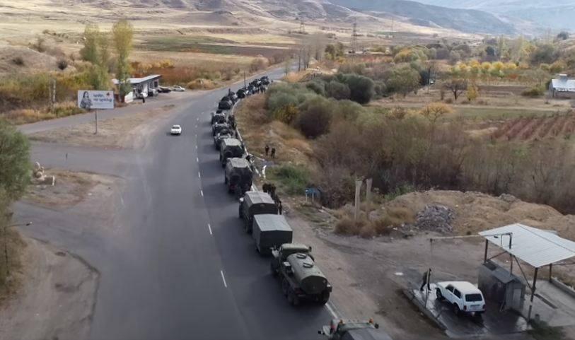 Photo of ՌԴ 15-րդ խաղաղապահ բրիգադի եւս մեկ շարասյուն Գորիսից ուղեւորվել է դեպի Ստեփանակերտ