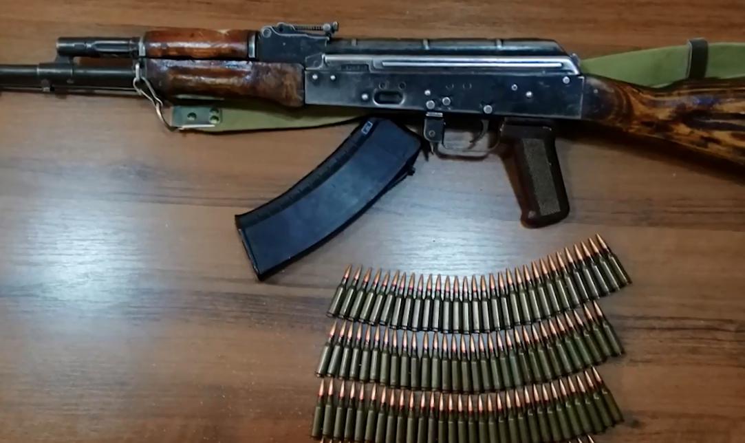 Photo of Բացատրական աշխատանքի արդյունքում ոստիկանության բաժիններում Արցախից բերված զենք-զինամթերք է հանձնվել