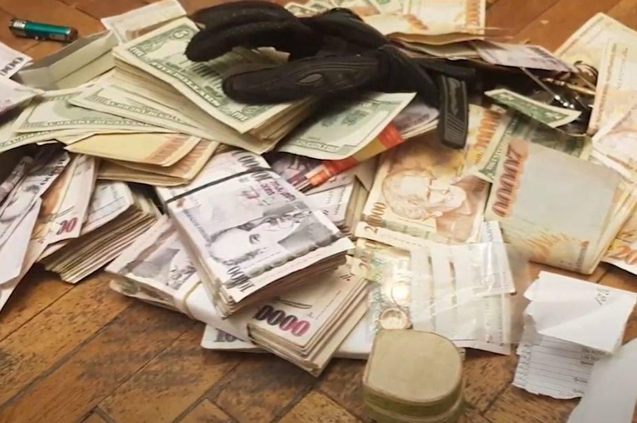 Photo of Կանաչուտ գյուղի մի տնից մի քանի տասնյակ միլիոն փող ու ոսկեղեն են գողացել․ ոստիկանության բացահայտումը