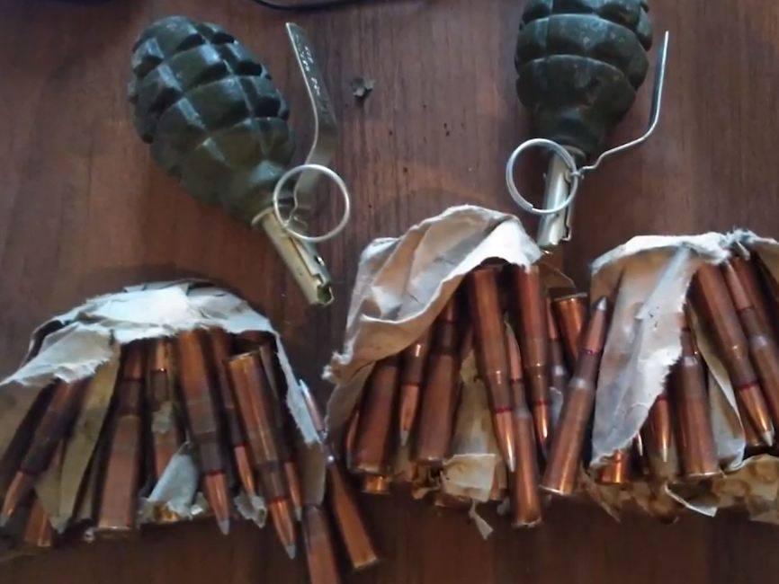 Photo of Գորիսում ոստիկանները Արցախից բերված պայթուցիչներով նռնակներ ու ինքնաձիգի փամփուշտներ են հայտնաբերել