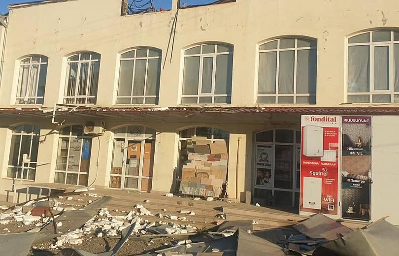 Photo of ВС Азербайджана в течение дня более 10 раз обстреляли Степанакерт ракетами дальнего действия