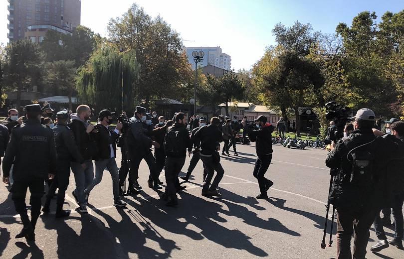 Photo of Ժամը 14։30-ի դրությամբ Ազատության հրապարակից ՀՀ ոստիկանություն բերման է ենթարկվել 129 անձ