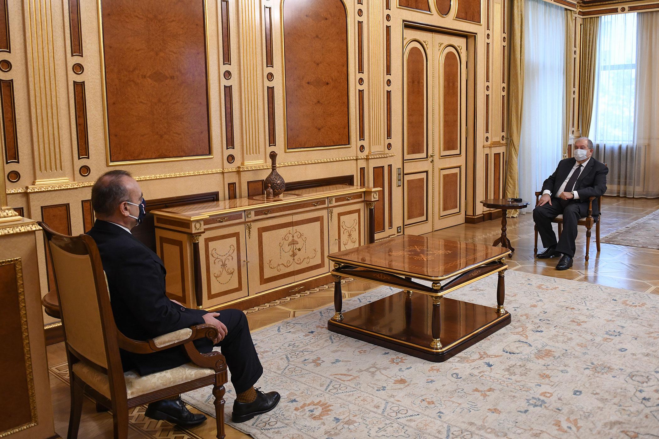 Photo of Նախագահ Արմեն Սարգսյանը հրաժեշտի հանդիպում է ունեցել Հայաստանում Իտալիայի դեսպան Վինչենցո Դել Մոնակոյի հետ