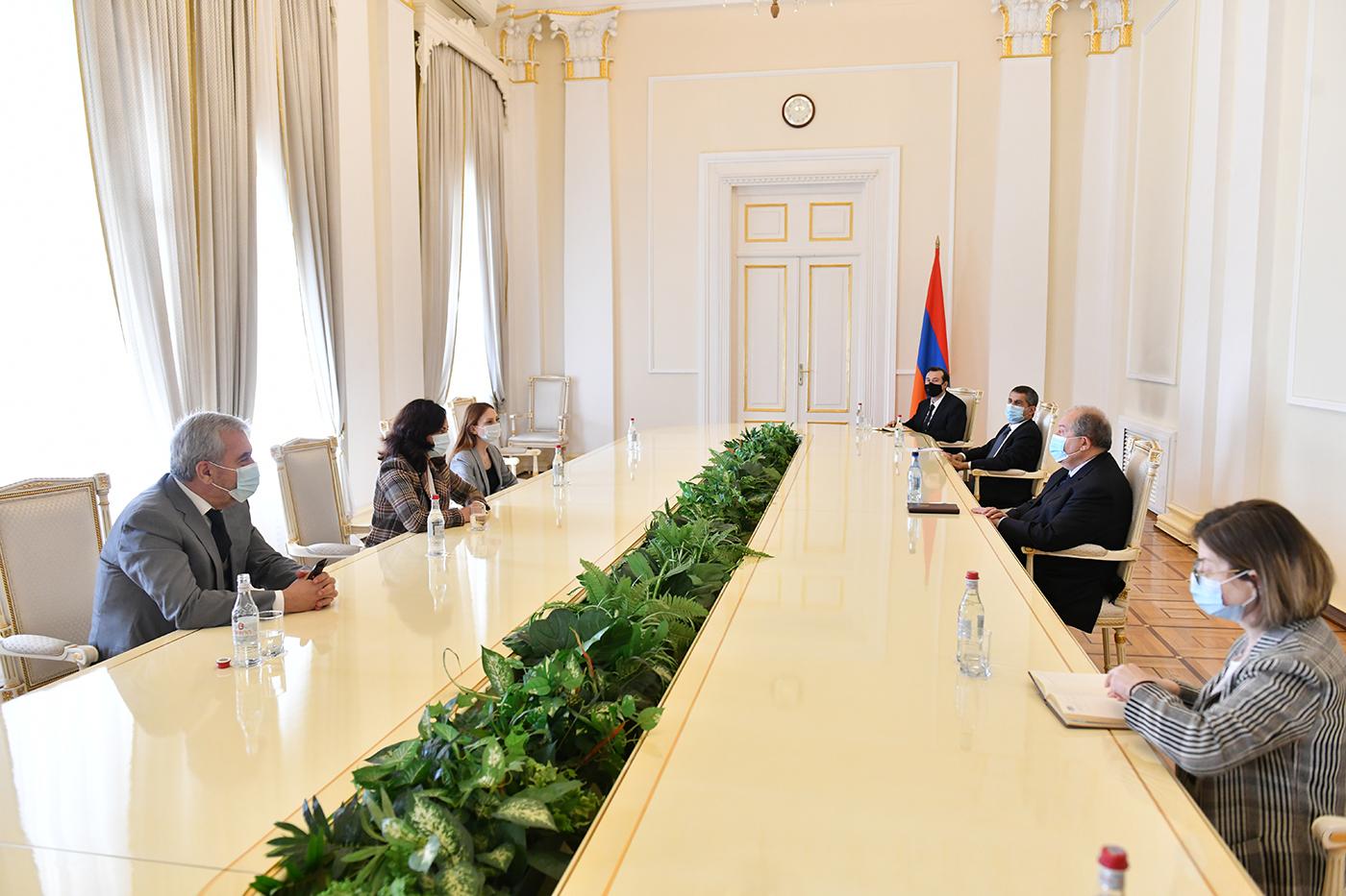 Photo of Նախագահ Արմեն Սարգսյանը հանդիպել է «Իմ քայլը» պատգամավորական խմբակցության ներկայացուցիչների հետ