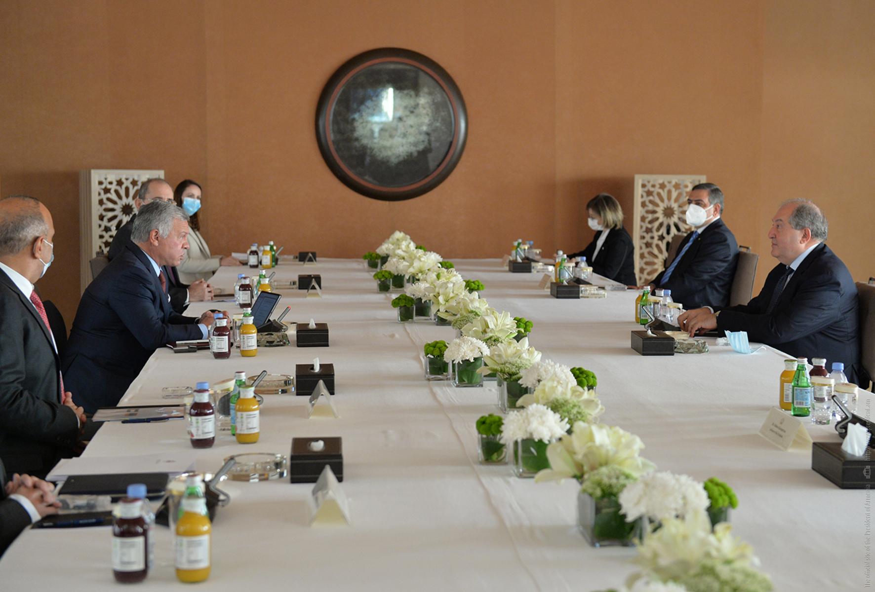 Photo of Հորդանանի թագավորական ընդունելությունների պալատում տեղի է ունեցել ՀՀ նախագահի դիմավորման պաշտոնական արարողությունը