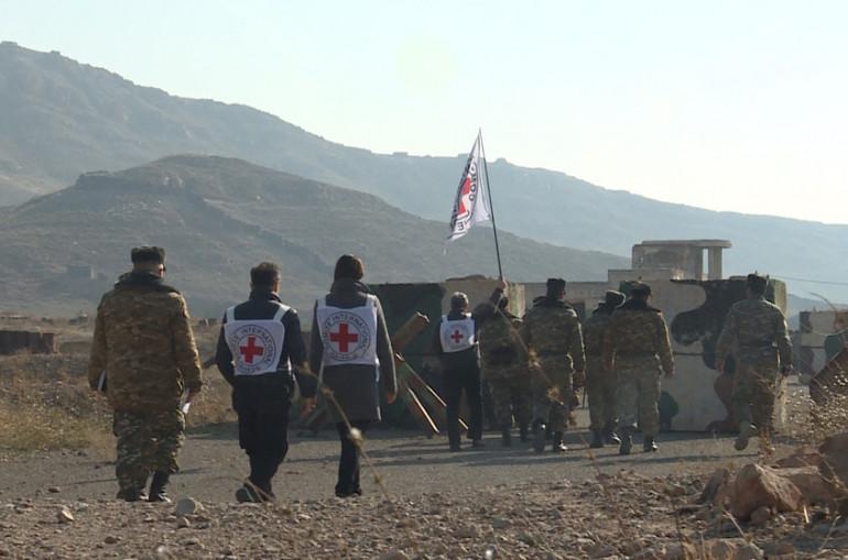 Photo of Международный Комитет Красного Креста сообщает, что под контролем миротворческих сил России армянская и азербайджанская стороны осуществляют поиск без вести пропавших, вывод останков и экстрадицию