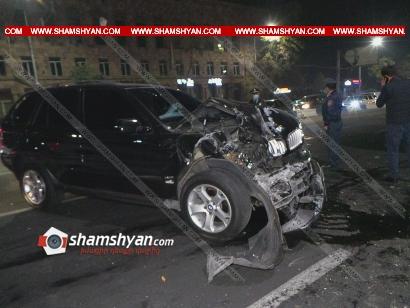 Photo of Խոշոր ավտովթար Երևանում. Շենգավիթ դատարանի հարևանությամբ բախվել են BMW X5-ն ու թիվ 20 երթուղին սպասարկող ГАЗель-ը. վերջինս էլ բախվել է հաստաբուն ծառին. կա 9 վիրավոր