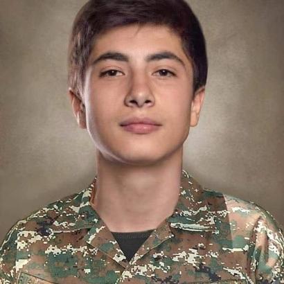 Photo of «Մերօրյա հերոսները». Ռուստամ Գալստյան․․․ Դժվար է այս պայծառ տղայի մասին խոսել անցյալ ժամանակով…