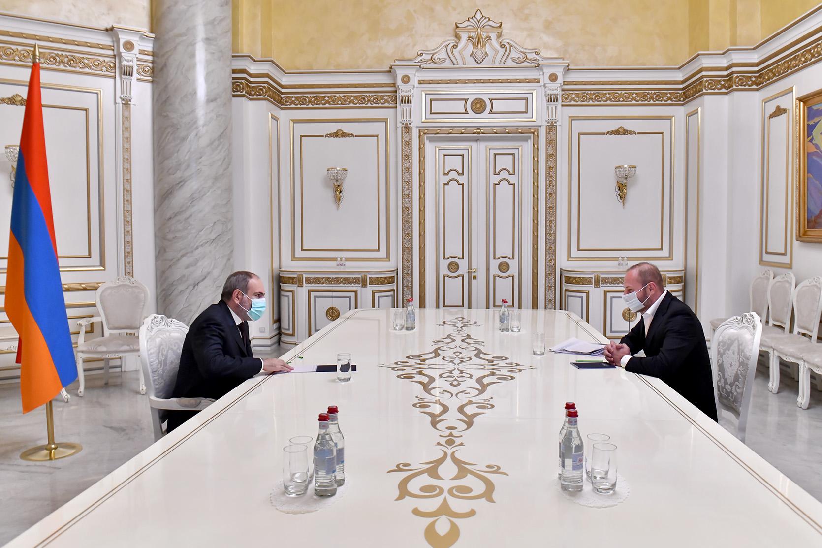 Photo of Пашинян обсудил с предпринимателями вопросы, касающиеся обеспечения продолжительности инвестиций
