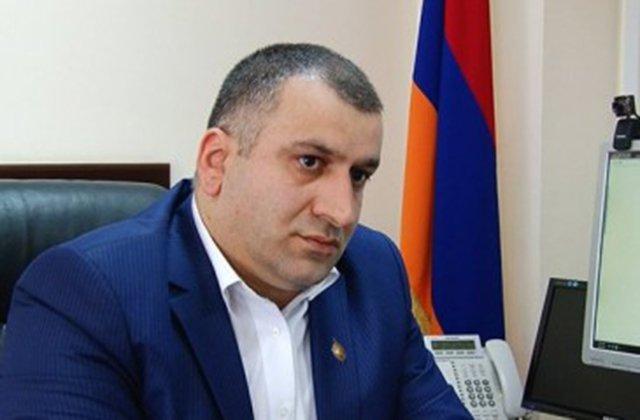 Photo of Мнацакан Бичахчян о «1.400 выданных азербайджанцам армянских паспортах».