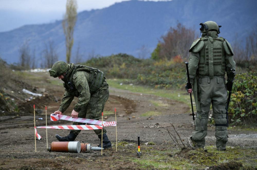 Photo of Российские саперы разминировали около трех километров автодороги Шуша-Лысогорский