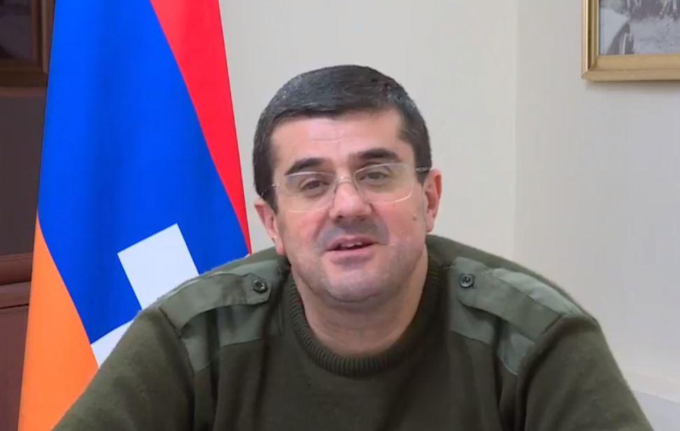 Photo of Через несколько минут в Ереване приземлится самолет с более чем 40 нашими пленными. Президент Арцаха