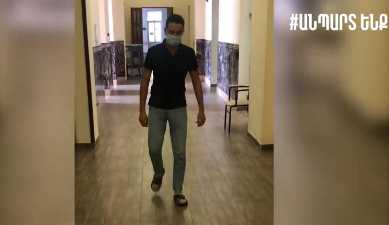 Photo of Հոկտեմբերի 5-ին առաջնագծում վիրավորված Դավիթը քայլում է, վերականգնողական բուժում է ստանում