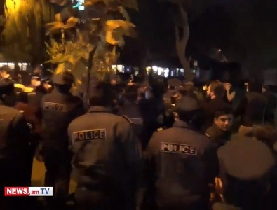 Photo of После окончания акции полиция неожиданно начала подвергать приводу граждан.