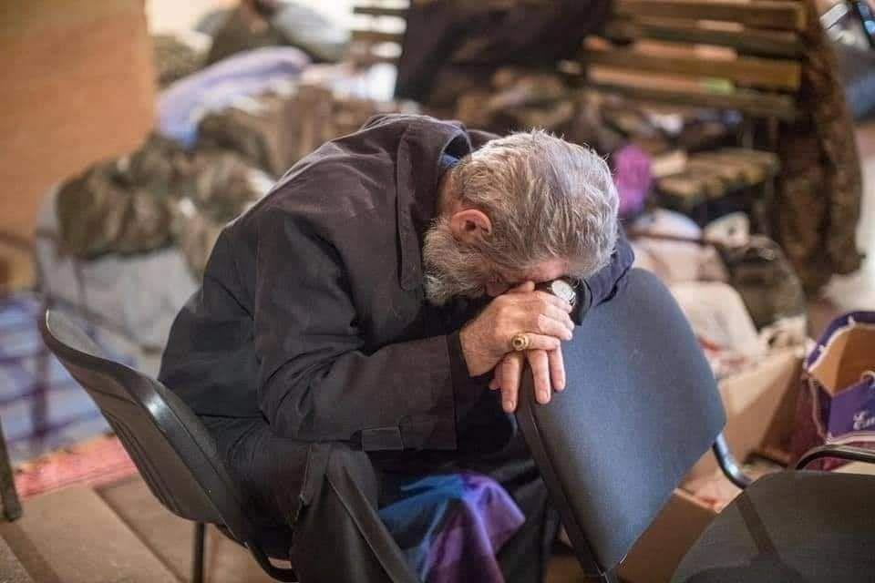 Photo of Ցուցարարները աղոթեցին Պարգև Սրբազանի համար
