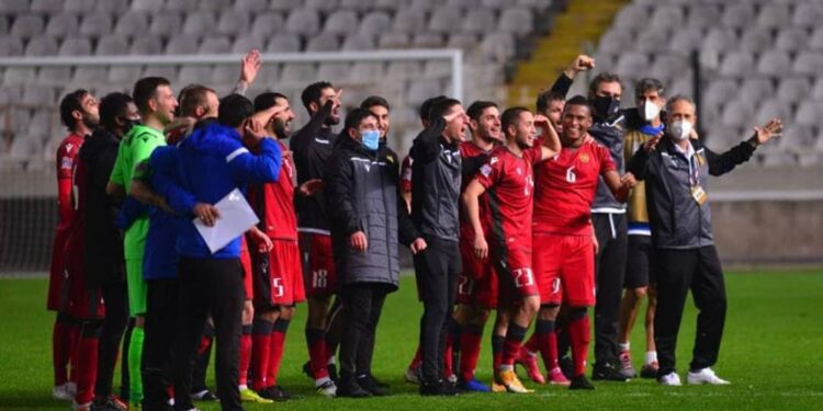 Photo of Հայաստանի հավաքականի ֆուտբոլիստները հաղթանակից հետո երգել են Հայաստանի օրհներգը
