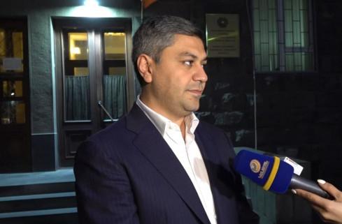 Photo of На данный момент в Армении власти не существует. Председатель партии «Родина» Артур Ванецян