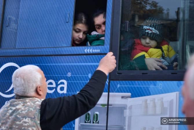Photo of В Карабах при содействии российских миротворческих сил за сутки вернулись 1126 беженцев