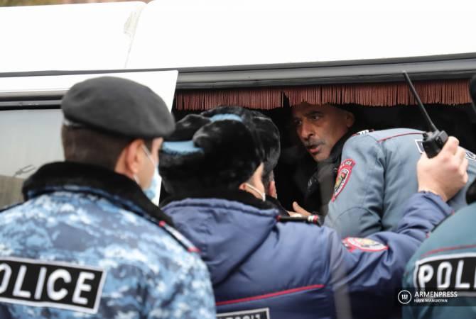Photo of Ոստիկանության բաժին է բերման ենթարկվել 37 ցուցարար. բողոքի ակցիան ավարտվեց