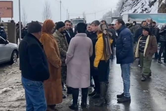 Photo of «Լուսավոր Հայաստան» խմբակցության պատգամավորները եղել են Սյունիքի մարզի ամենաթեժ կետերում