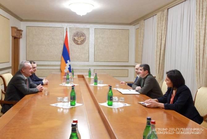Photo of ԱՀ նախագահ Արայիկ Հարությունյանն ընդունել է ՀՀ ԿԳՄՍ նախարար Վահրամ Դումանյանին