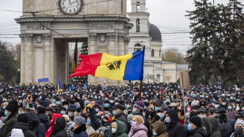 Photo of Сторонники Майи Санду в Кишиневе требуют отставки кабмина и роспуска парламента
