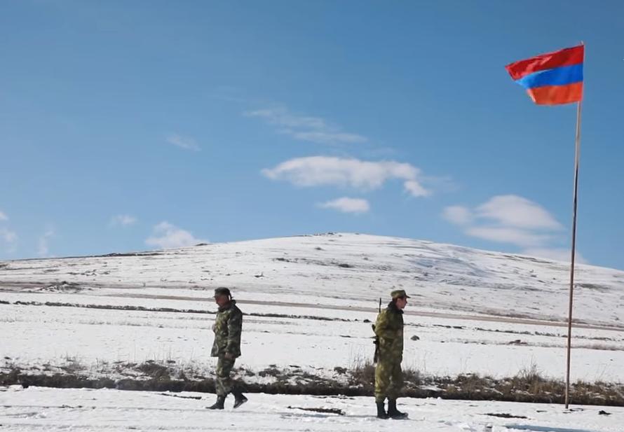 Photo of Մեր 36 հեկտար պահուստային հողերը ադրբեջանցիները GPS-ով ասում են՝ մերն է․ Արավուսի ղեկավար