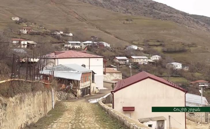 Photo of «Սա մեր գյուղն է, էստեղ էլ մնալու ենք».ինչպես են Հին Շենի բնակիչները առանց կրակոցի ադրբեջանցիներին հետ ուղարկել