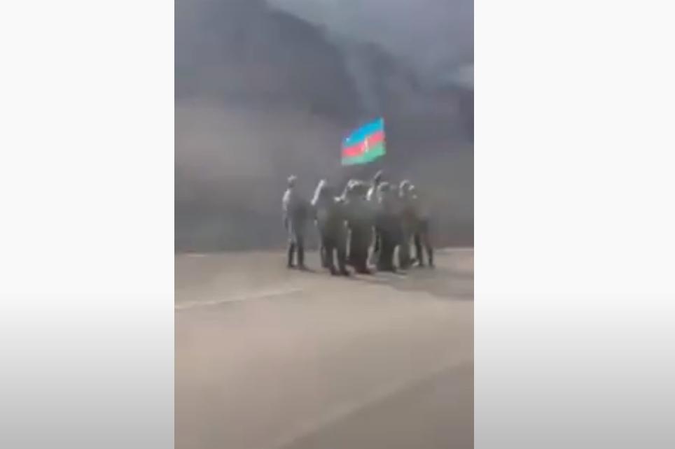 Photo of Азербайджанские солдаты на окраине армянского села Воротан