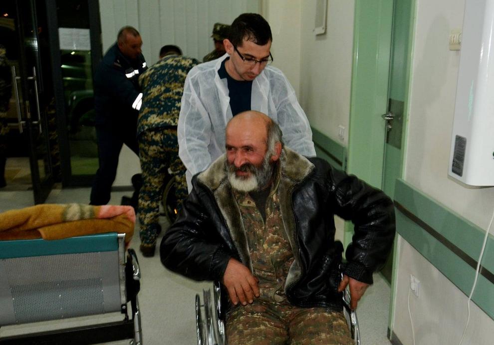 Photo of Նոյեմբերի 13-ից սկսած 9 ողջ և ավելի քան 1000 մահացած անձ է գտնվել. Արցախի ՄԻՊ