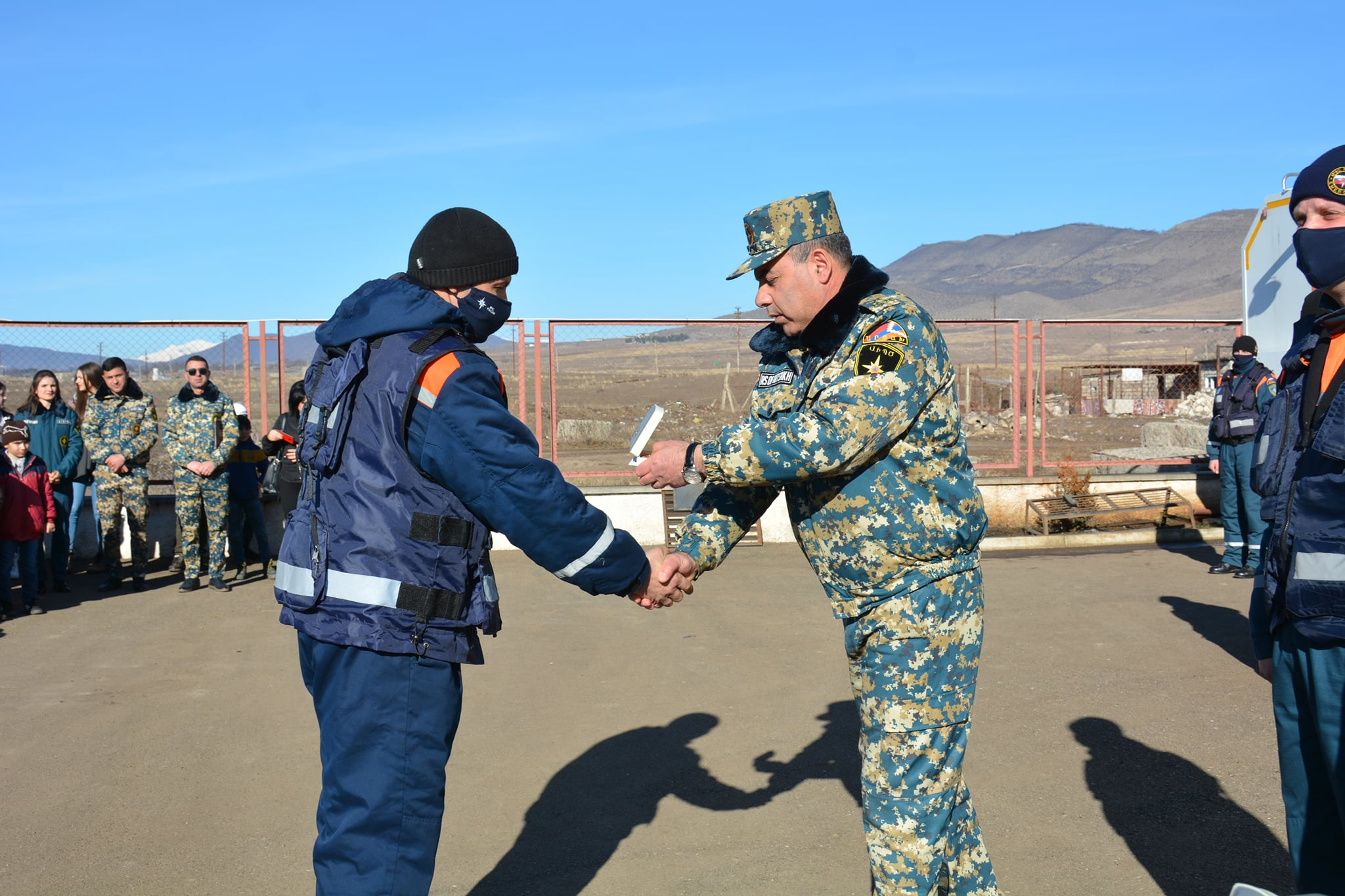 Photo of ԱԻ պետական ծառայության տնօրենը պարգևատրել է համակարգի մի խումբ աշխատակիցների