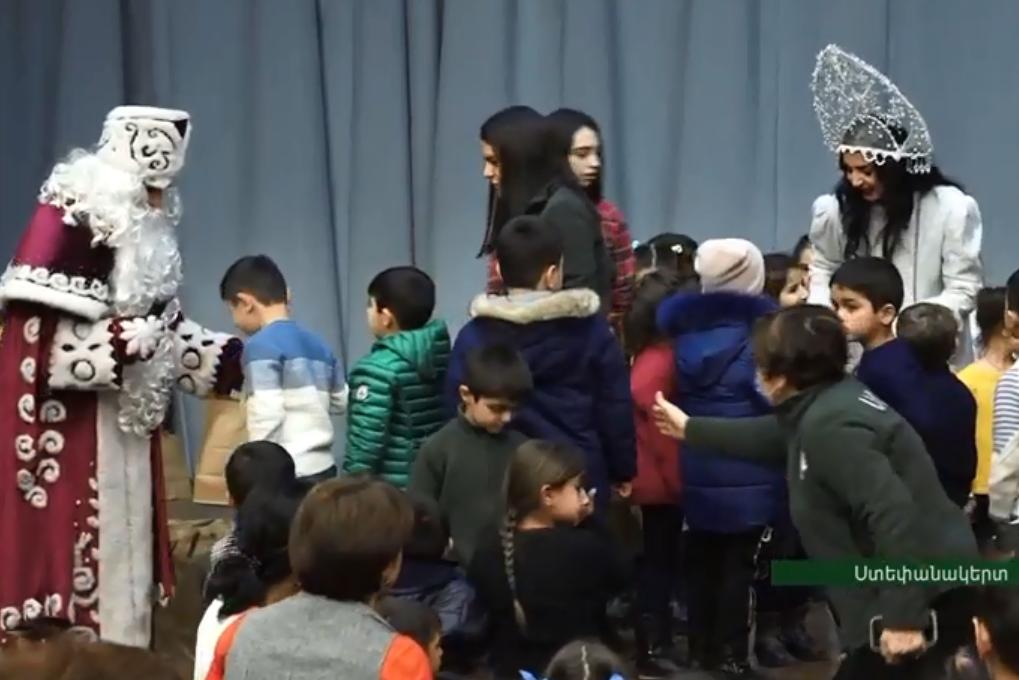 Photo of Հայ բարեգործական ընդհանուր միության ներկայացուցիչները շնորհավորել են Արցախի երեխաների Նոր տարին