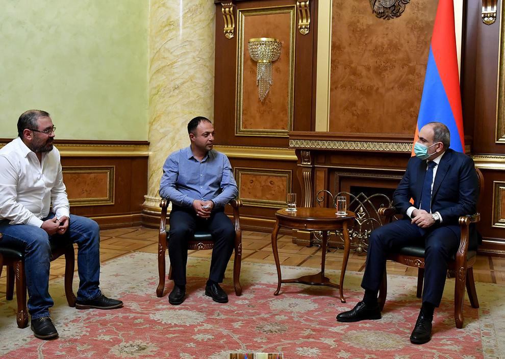 Photo of Премьер-министр Пашинян продолжает консультации с представителями политических сил