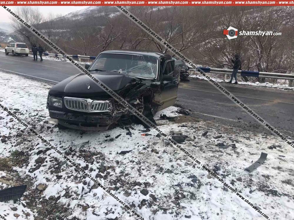 Photo of Խոշոր ավտովթար Լոռու մարզում. բախվել են Mercedes-ն ու ГАЗ 3110-ը. հարազատ քույրերը տեղափոխվել են հիվանդանոց