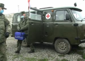 Photo of Ռուս խաղաղապահների շարժական բժշկական խմբերը սկսել են բուժել ԼՂ բնակիչներին