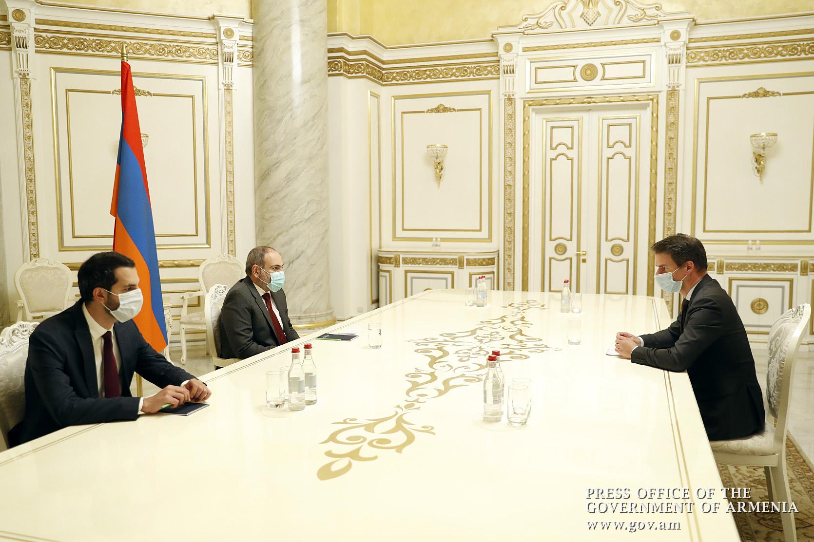 Photo of Վարչապետը հանդիպել է Հայաստանում Ֆրանսիայի դեսպանի հետ