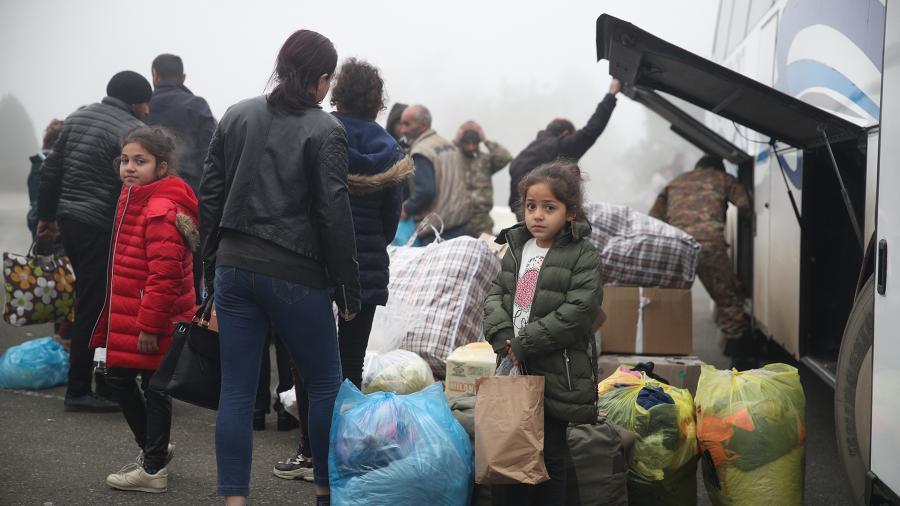 Photo of Более 1300 беженцев вернулись за последние сутки в Нагорный Карабах