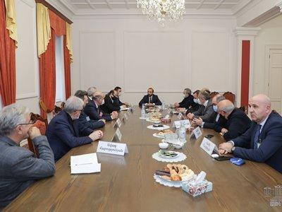 Photo of Արարատ Միրզոյանը հանդիպել է Հայաստանի արդյունաբերողների եւ գործարարների միության ներկայացուցիչներին