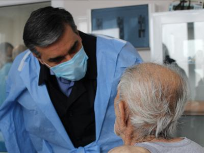 Photo of Արման Թաթոյանն այցելել է հայկական կողմին երեկ փոխանցված գերեվարված քաղաքացիական անձանց
