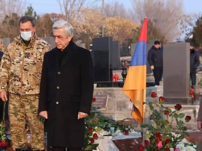 Photo of Третий президент Армении Серж Саргсян посетил военный пантеон «Ераблур»