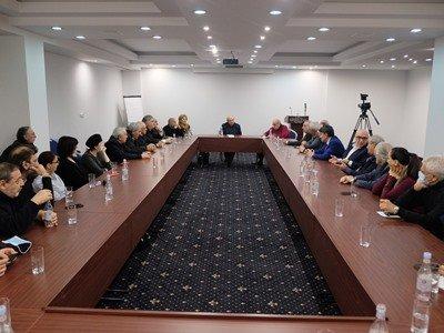 Photo of Վազգեն Մանուկյանն այսօր հանդիպել է մշակույթի և արվեստի գործիչների հետ