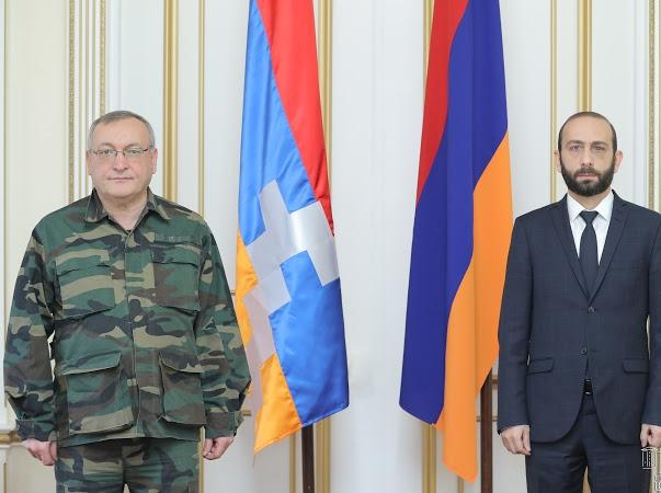 Photo of Արարատ Միրզոյանը հանդիպել է ԱՀ Ազգային ժողովի նախագահի հետ