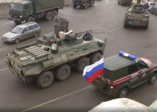 Photo of Российские миротворцы обеспечивают безопасность движения автотранспорта и перемещения граждан по Лачинскому коридору в Нагорном Карабахе