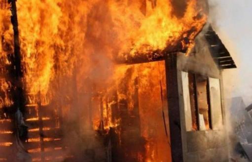 Photo of Սյունիքում հրդեհի հետեւանքով այրվել է երկհարկանի տան մի հատվածը