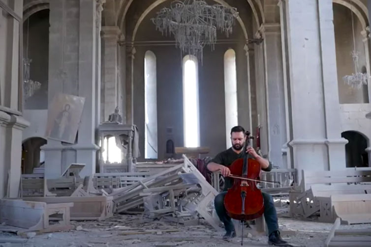 Photo of «Или ты выбиваешь им зубы, или они выбивают твои, остальное – сказки: концерт виолончели»