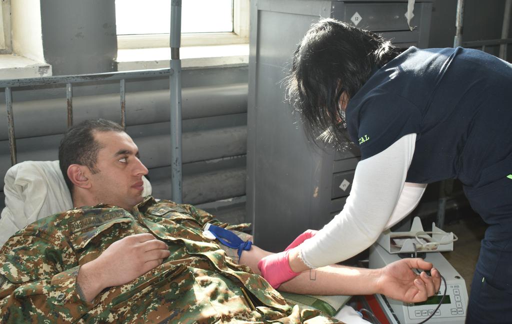Photo of Զինծառայողներն արյուն են հանձնել
