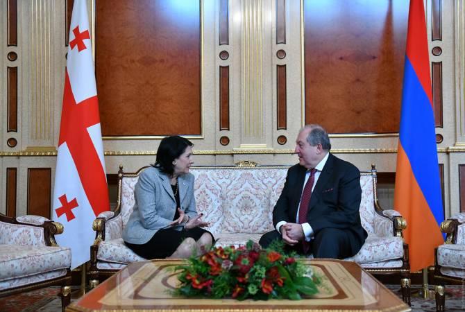 Photo of Президент Грузии поздравила президента Армении с наступающими праздниками